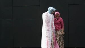 Perempuan Lampung Baru Jadi Desainer Australia di Usia 50 Tahun
