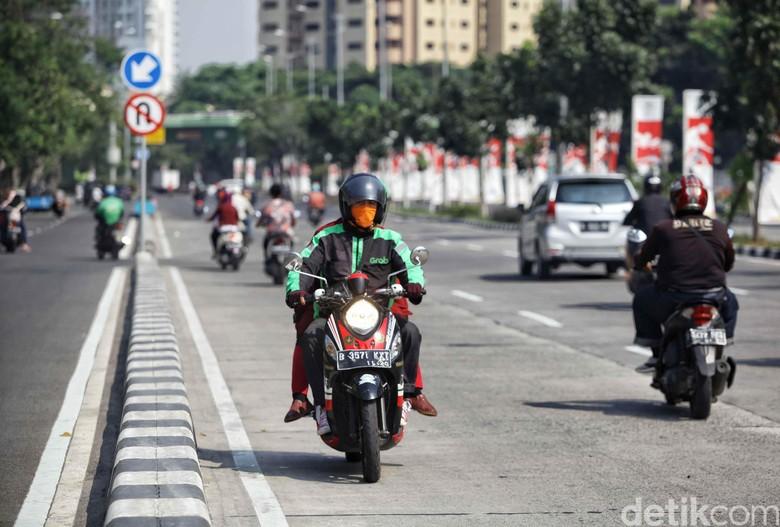 Pelanggaran lalu lintas. Foto: Pradita Utama