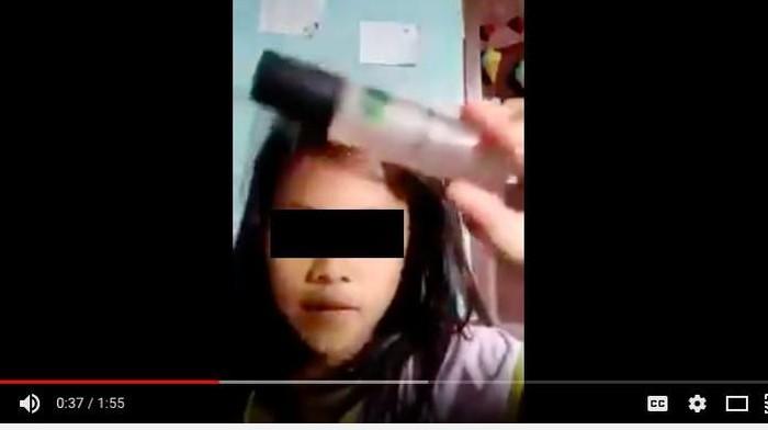 Bocah ini viral setelah kepanasan akibat menggunakan minyak angin sebagai make up. (Foto: screenshoot youtube)