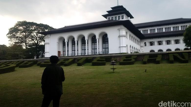 Fenomena Hari Tanpa Bayangan Terjadi di Bandung Kamis Siang