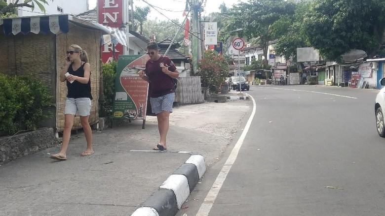 Kawasan wisata di Senggigi Lombok Barat, lengang pasca bencana gempa bumi.