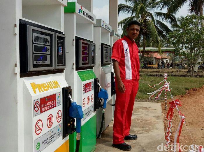 BBM Satu Harga di pelosok Sumatera Selatan/Foto: Raja Adil Siregar/detikcom