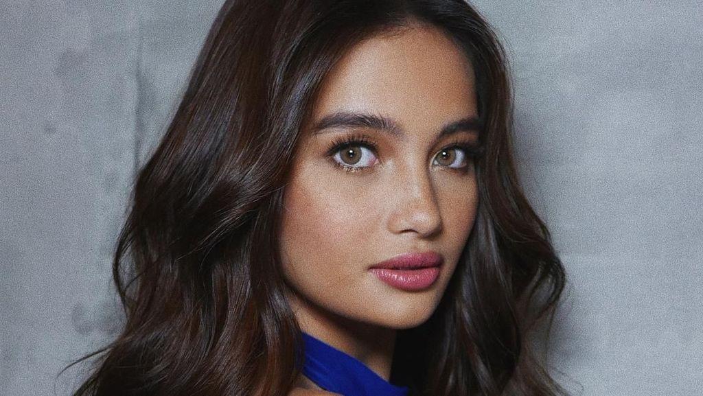 Terpikat Kelsey, Model Asia Tenggara Pertama Tampil di Show Victorias Secret