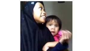 Viral Video Kocak Dua Bocah Kaget Nyanyi Abdullah, Ini 4 Manfaat Tertawa