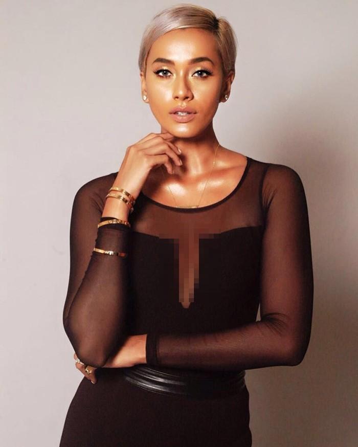 Kimmy adalah model yang berdarah Tamil dan China, nggak heran bisa punya kulit kecoklatan yang sehat dan cerah. (Foto : Instagram kimmyjayanti)