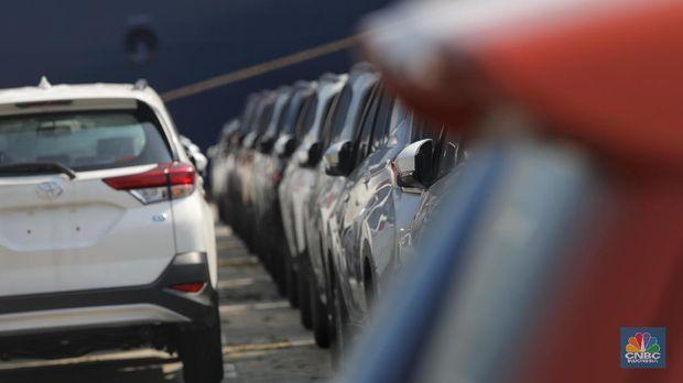 Penjualan Mobil Tambah Anjlok, Apa yang Sedang Terjadi?