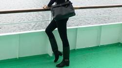 Eksotis dan seksi jadi ciri utama model Kimmy Jayanti. Dilihat dari instagramnya, bisa ditiru nih olahraga yang ditekuni pemilik sekolah model ini.
