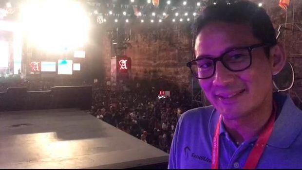 Sandiaga menyaksikan band Padi Reborn di Soundrenaline 2018 Bali