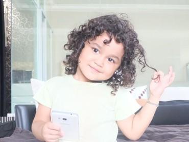 Sehat selalu ya malaikat kecil-nya Bunda Kartika Putri. (Foto: Instagram/ @kartikaputriworld)
