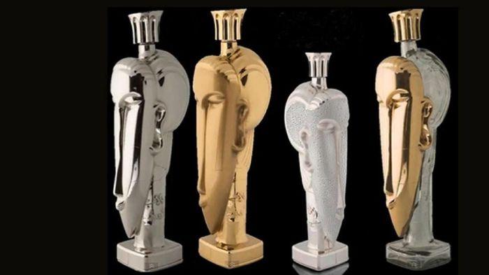 Acqua di Cristallo Tributo a Modigliani di urutan kedua, yakni US$ 60 ribu (Rp 870 juta). Botolnya juga mengandung emas 24 karat. Foto: Istimewa financesonline.com