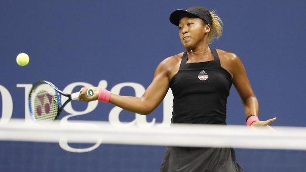 Naomi Osaka berhasil mengalahkan Serena Williams yang merupakan petenis idolanya sejak kecil.