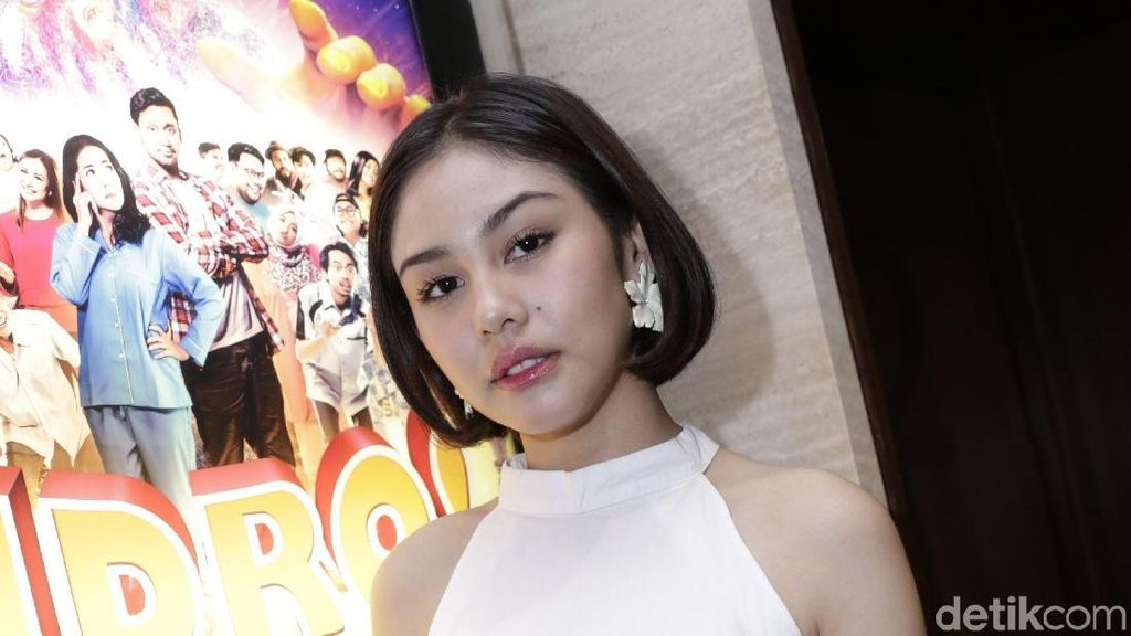 Ingar-bingar Netizen Saat Vanesha Prescilla Pakai Jaket Dilan