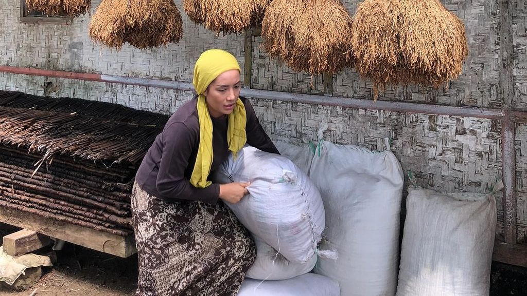 Gaya Kulineran Kocak Shinta Bachir yang Baru Dilamar Anggota DPRD