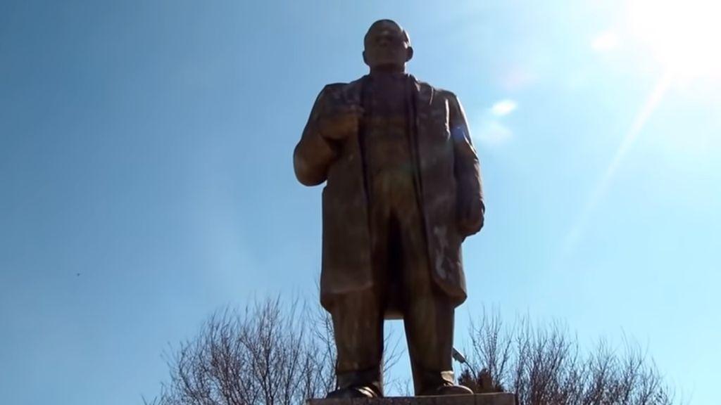 Para Ulama di Tajikistan Gunakan Sedekah Dirikan Lagi Patung Lenin