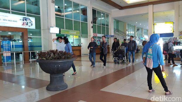 Ahmad Dhani Batal ke Solo, Pengamanan Bandara Adi Soemarmo Normal