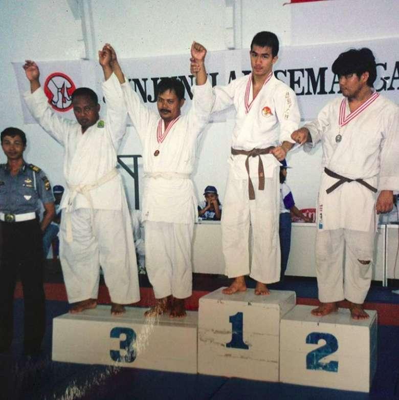 Joe Taslim dulunya adalah atlet judo, ia pernah meraih medali emas dalam ajang PON 2008. Tak hanya itu, ia pernah juga medali perak diajang SEA Games 2007 dan medali emas diajang South East Asia Judo Championship di Singapura tahun 1999. (Foto: Instagram)