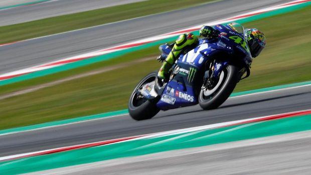 Valentino Rossi hanya bisa finis di posisi ketujuh pada MotoGP San Marino. (