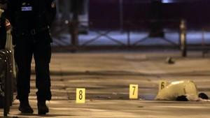 7 Orang Termasuk 2 Turis Inggris Terluka dalam Penikaman di Paris