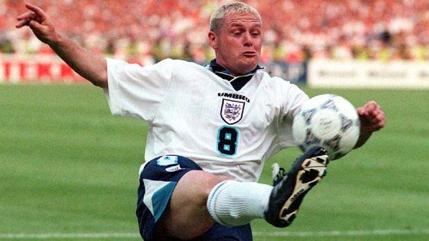 Paul Gascoigne adalah salah satu pemain hebat namun dikenal indisipliner.