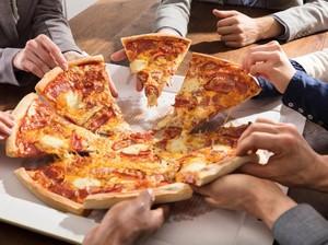 Mengharukan! Karyawan Ini Tempuh 805 Km Antar Pizza Untuk Penderita Kanker