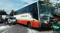 Kecelakaan Beruntun 4 Kendaraan di Sidoarjo, 2 Orang Tewas