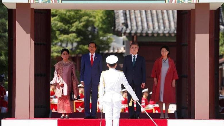 Potret Jokowi di Korsel: Disambut Bak Raja Hingga Bertemu Suju