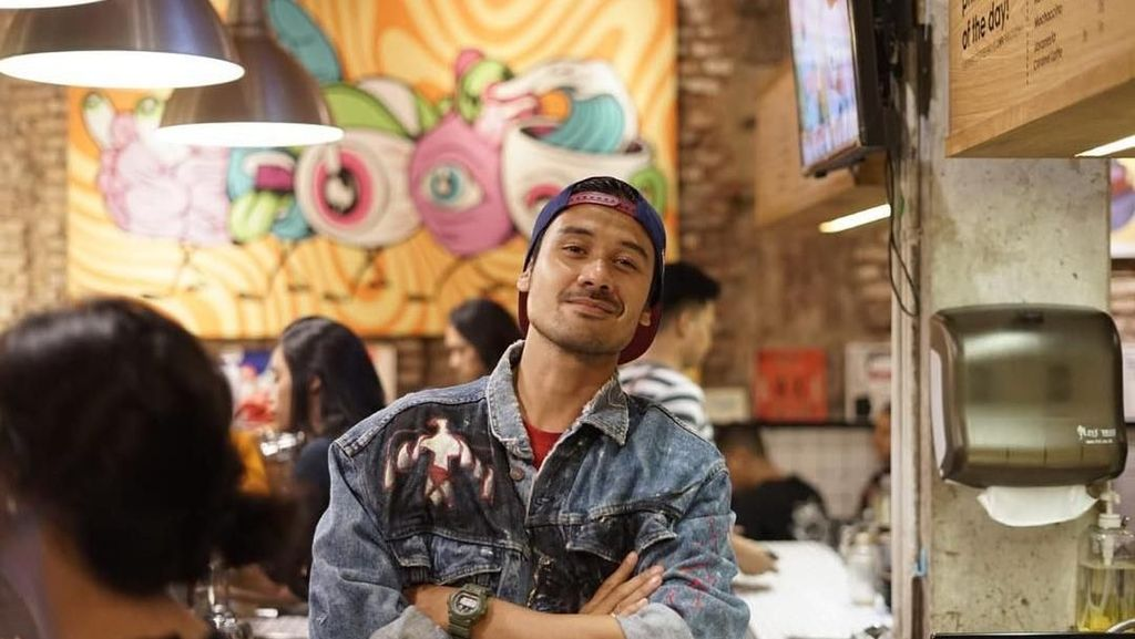 Posting Wajah Anak, Chicco Jerikho Sebut Perjalanan Tak Seindah Dongeng