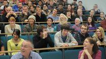 Makin Banyak Warga Dewasa Kembali Kuliah di Universitas Australia