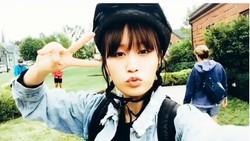 Fans AKB48 pasti enggak asing lagi dengan Atsuko Maeda. Sukses bersolo karier, tubuhnya masih saja bugar dengan wajah yang imut. Olahraga nggak ditinggal sih.