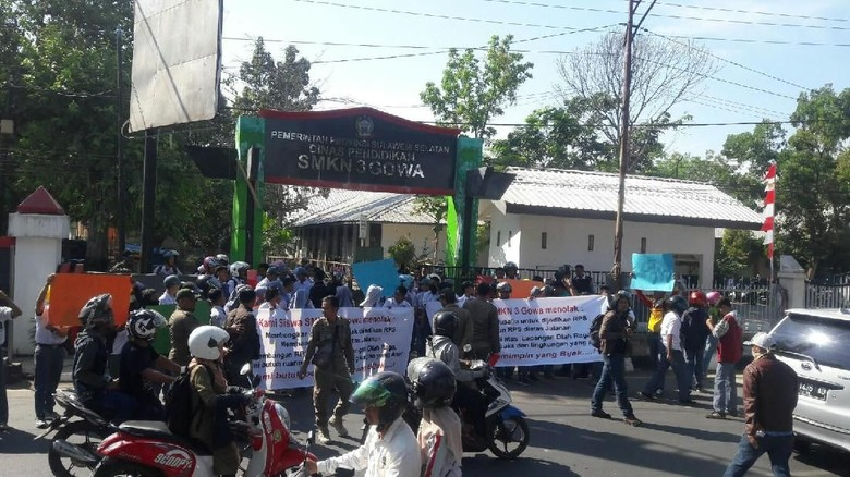 Siswa SMKN 3 Gowa Demo Kepsek Tolak Pembangunan Gedung
