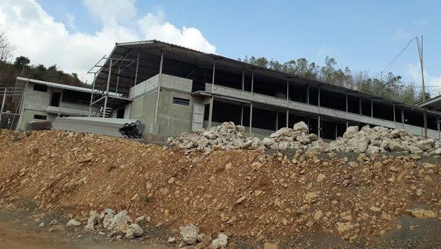 Pmbangunan peternakan Ayam di Geopark Gunung Sewu