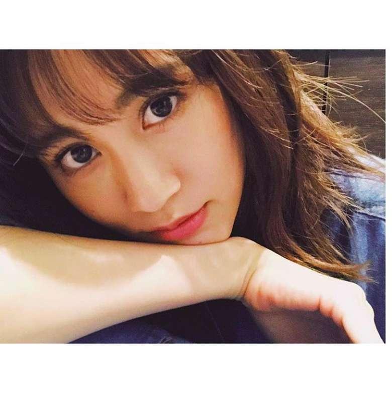 Atsuko Maeda adalah seorang penyanyi dan aktris asal Jepang. Selfish adalah album musik yang ia hasilkan dan banyak menuai pujian. (Foto: Instagram/atsuko_maeda_official)