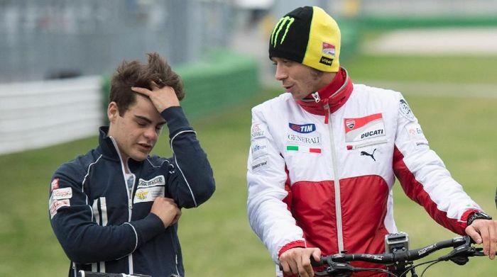 Romano Fenati dan Valentino Rossi pada tahun 2012 silam (Foto: Mirco Lazzari gp/Getty Images)