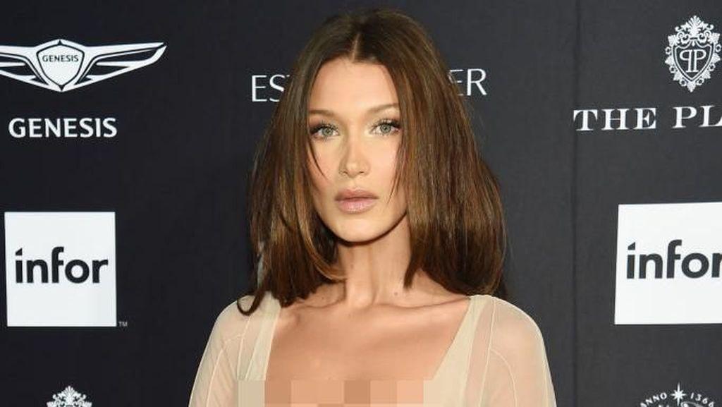 Foto: Serba Seksi dari Bella Hadid di New York Fashion Week