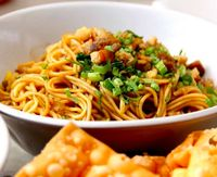 Cara Membuat Mie Ayam dan Resepnya, Makanan Tengah Bulan Favorit