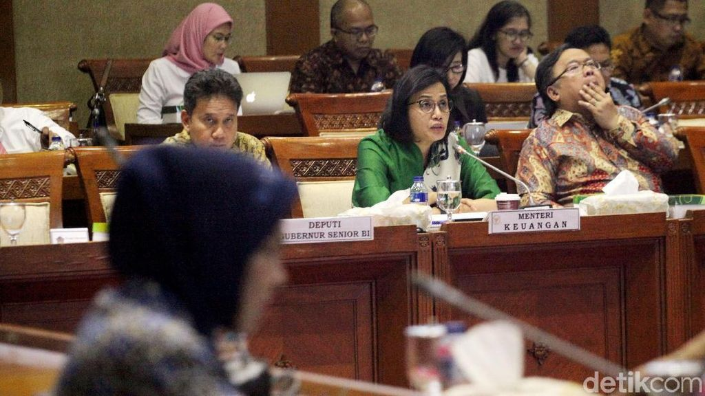 Komisi XI dan Sri Mulyani Rapat Keputusan RAPBN 2019
