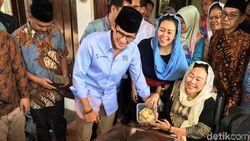 Sowan ke Istri Gus Dur, Sandi Diberi Tempe Tak Setipis ATM