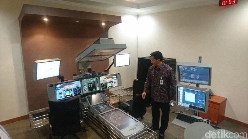 Gedung B GITC berisi simulator digital dan kapsul. Simulator digital itu digunakan sebelum calon pilot memasuki training di simulator berbentuk kapsul (Masaul/detikTravel)