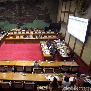 DPR Rapat Tertutup Bahas Penerimaan Pajak dan Bea Cukai 2019