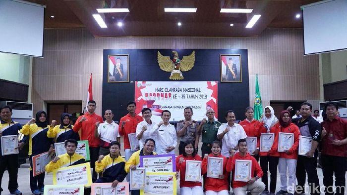 Atlet Asian Games 2018 asal Palembang menerima bonus dari Pemprov (Raja Adil Siregar/detikSport)