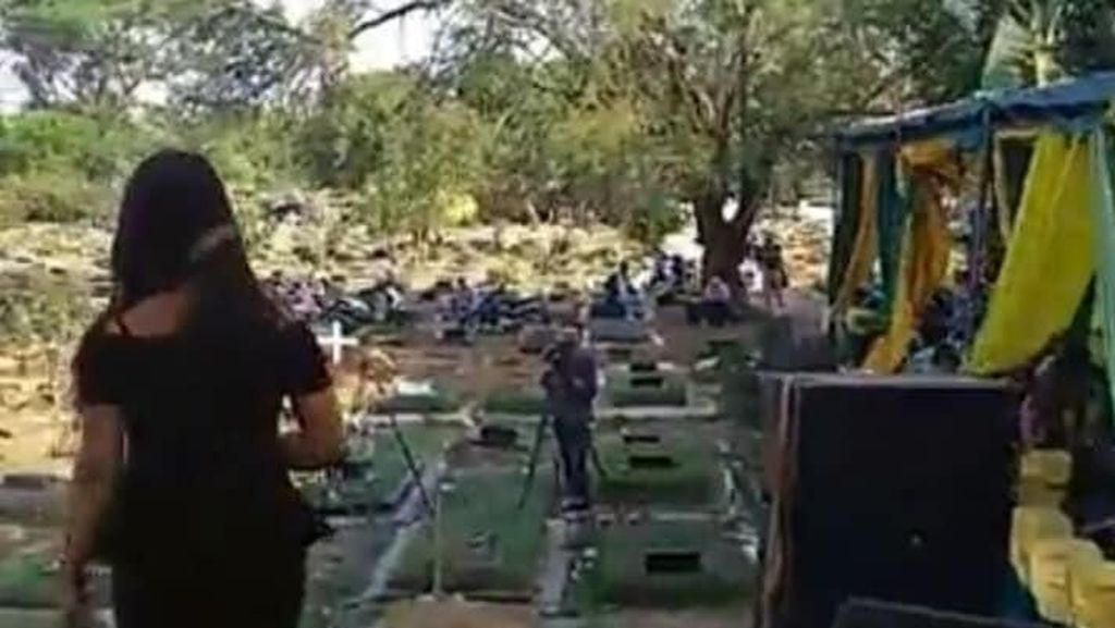 Viral Dangdutan di Area Kuburan Jaktim, Ini Cerita di Baliknya
