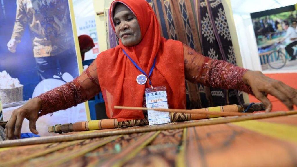 Kemendes Pamerkan Alat Canggih untuk Bantu Warga Desa di Sumbawa