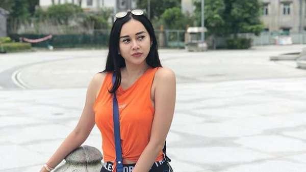 Liburan di Hong Kong, Gandengan Aura Kasih Bikin Salah Fokus