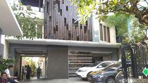 Polisi Lepas Wanita yang Disebut Bersama TFA di Tendean Residence