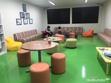 Area student lounge juga nyaman.