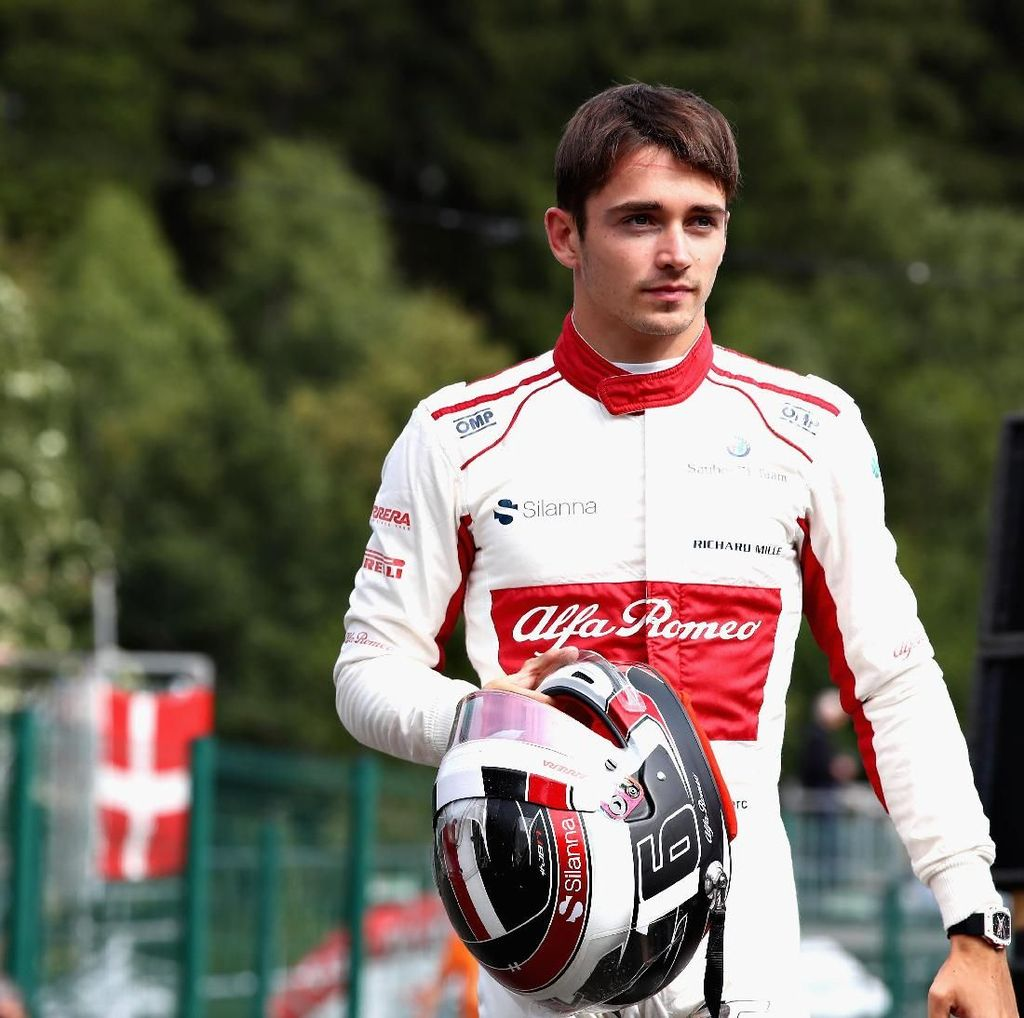 Charles Leclerc Gantikan Raikkonen di Ferrari