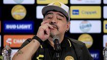 Perkara Utang dengan Mantan, Maradona Ditahan di Bandara Argentina