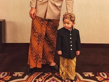 Rasyid Rajasa pakai busana kompakan dengan anak Ibas dan Aliya Rajasa, Sakti nih. (Foto: Instagram/ @rasyidrajasa)