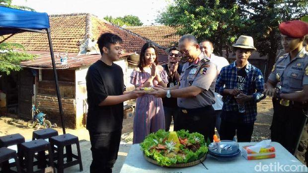 Posting Seragam Taruna, Umay Siap Berakting di Film Terbaru