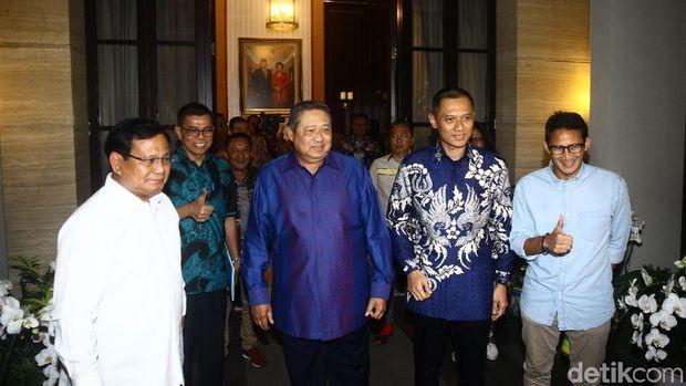 Strategi Prabowo Yang Dirumuskan di Rumah SBY 'Sang Godfather'